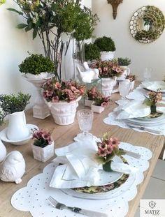 Table setting. Spring decor.