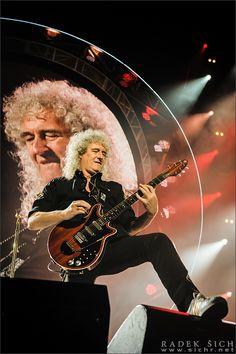 Queen + Adam Lambert 17 Feb 2015   Prague O2 Arena   great picture of Dr. Brian May!! Photo by RADEK SICH