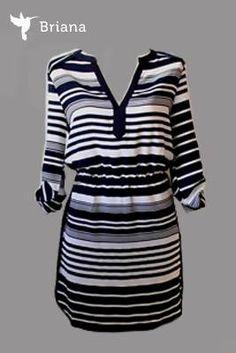 un #casual y #moderno #vestido #rayado en #cuello V