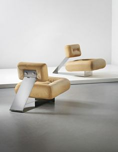 Oscar Niemeyer: Pair of 'Aran' lounge chairs, circa 1975. Image Courtesy of Phillips