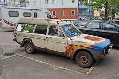 Volvo Estate, Volvo 240, Volvo Cars, Old Classic Cars, Classic Motors, Car Shop, Station Wagon, Super Cars, Automobile