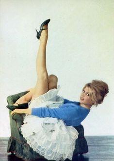 Vintage BB postcard. Hollywood Glamour, Hollywood Stars, Classic Hollywood, Old Hollywood, Brigitte Bardot, Bridget Bardot, Sexy Women, French Beauty, French Actress