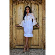Vestido con lentejuelas disponible en 6 colores. Ya puedes comprar este vestido estilo boho en WhiteFashionBeach, tu tienda online de ropa ibicenca.