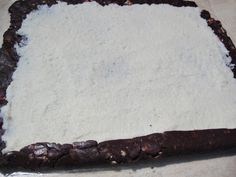 Rulada de biscuiti cu mascarpone si nuca de cocos - Rețete Merișor Biscuit, Cheesecake, Sweets, Meat, Ethnic Recipes, Desserts, Food, Mascarpone, Tailgate Desserts