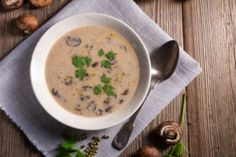 This lactose-free cream of mushroom soup recipe is savory with touches of onion and black pepper. LACTAID® lactose-free milk makes it perfectly creamy, without lactose! Dried Mushrooms, Creamed Mushrooms, Stuffed Mushrooms, Stuffed Peppers, Easy Mushroom Soup, Mushroom Soup Recipes, Lactose Free Cream, Easy Soups To Make, Keto Soup