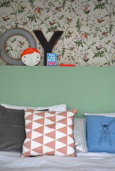 Hummingbird Cole & Son wallpaper through femkeidoshop.nl