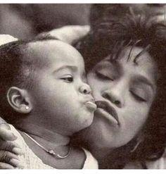 Bobbi Kristina and Whitney Houston Beverly Hills, Whitney Houston Pictures, Bobbi Kristina Brown, Guinness World, Black Is Beautiful, Beautiful Voice, American Singers, American History, Black History