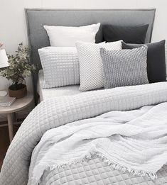 20 Master Bedroom Decor Ideas New home? Feel like you need to revamp your bedroom? These 20 Master Bedroom Decor Ideas will give you all the inspiration you need! Come and check them out Bedroom Inspo, Home Decor Bedroom, Master Bedroom, Bedroom Ideas, Bedroom Inspiration, Guy Bedroom, Bedroom Designs, Bed Room, Bedroom Color Schemes
