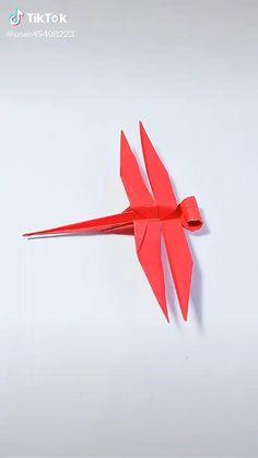 Instruções Origami, Origami And Kirigami, Origami Bird, Paper Crafts Origami, Origami Design, Cool Paper Crafts, Diy Arts And Crafts, Easy Origami Animals, Plane Crafts
