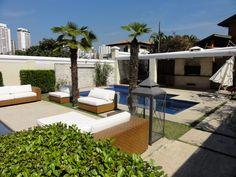 Área de Lazer - SP Paisagismo Marisa Lima Outdoor Furniture, Outdoor Decor, Lima, Sun Lounger, Patio, Home Decor, Play Areas, Landscaping, Garden
