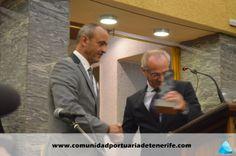 Don Juan Fraterno Rodríguez Díaz (a la derecha), miembro del Patronato de FUNCEPT, hace la entrega del premio a Don Klaus Elsner, Director de OPDR IBERIA (a la izquierda de la imagen).