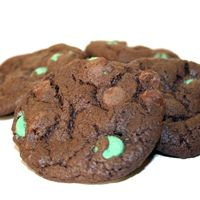 Chocolate Mint Chip Cookies - 2lb Tin   $33.95 #stpattys