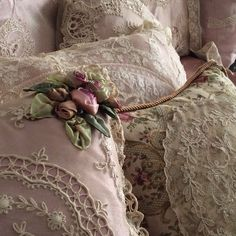 Check out the link for more Shabby chic decoration Rose Shabby Chic, Shabby Chic Romantique, Cottage Shabby Chic, Shabby Chic Mode, Style Shabby Chic, Shabby Chic Vintage, Shaby Chic, Shabby Chic Bedrooms, Look Vintage