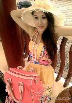 ¡Bienvenido a nuestra galeria de fotos!  Echar un vistazo a Jing, mujer asiática en busca de compañía romántica
