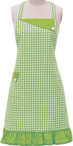 This full-length gingham apron will add some color and class to your kitchen. Sewing Aprons, Sewing Clothes, Sewing Hacks, Sewing Projects, Green Apron, Apron Designs, Cute Aprons, Aprons Vintage, Creation Couture