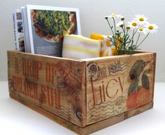 Make vintage orchard farm inspired pallet wood crate for almost free. Tutorial on transfer inkjet image to wood, plus recipe for home made furniture wax.
