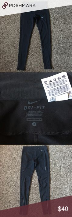 Nike Running Leggings NEW BRAND NEW Nike Running leggings. Great for running or working out. Has zippers by ankles and pocket for keys in waistband Nike Pants Leggings