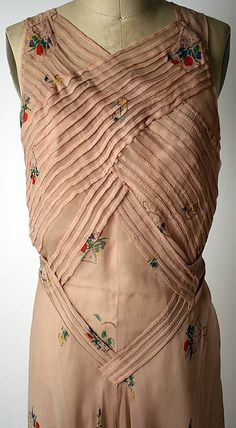 Evening dress (image 3) | House of Schiaparelli | French | 1933-35 | silk | Metropolitan Museum of Art | Accession Number: 1977.201.12