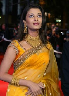 love this yellow on Aish