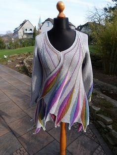 Knitting Patterns Coat Ravelry: Spring plumage pattern by Heidrun Liegmann. Freeform Crochet, Crochet Shawl, Knit Crochet, Knitted Coat, Knitted Shawls, Shawl Patterns, Knitting Patterns, Bolero, Feather Pattern