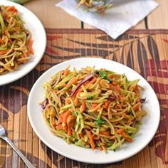 Light noodle salad, healthy and delicious, great flavors! Recipe inside, PIN