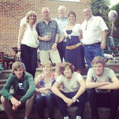 Harry's got an attractive family... If I can't have Harry, I'll take one of his brothers! :)