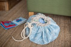 DIY-Spielzeugtasche Sewing For Kids, Bucket Bag, Upcycle, Baby Shoes, Womens Fashion, Diy, Crafts, Bags, Astronaut