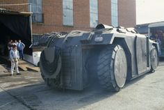 I've picked up were I left the Aliens Armoured Personnel Carrier (APC) model project, which was some significant time ago! Alien 2, Predator Alien, Monster Trucks, Science Fiction, Armoured Personnel Carrier, Sci Fi Models, Aliens Movie, Armored Vehicles, Sci Fi Fantasy