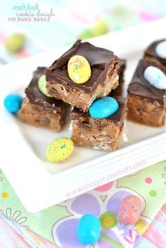 No Bake Malt Ball Cookie Dough Bars.easy and ready for spring! Cookie Dough Bars, Edible Cookie Dough, Cookie Dough Recipes, Cookie Brownie Bars, Desserts Ostern, Köstliche Desserts, Delicious Desserts, Dessert Recipes, Bar Recipes