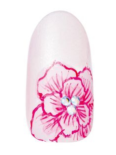 大輪の花がリゾート婚にもぴったり! 明るい南国に咲き誇るハイビスカスの花をモチーフにしたネイル。浜辺でのウエディングなどカジュアルなドレスにもぴったりのデザインです。