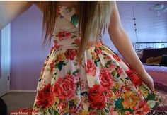 dress with roses. ♡