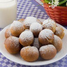Cum să faci gogoși pufoase în doar câteva minute. E de necrezut! Iată rețeta perfectă - savuros.info Hamburger, Deserts, Bread, Desserts, Hamburgers, Postres, Dessert, Bakeries, Breads