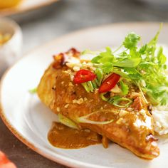 Chicken Breast with Peanut Sauce - Hähnchen Seared Salmon Recipes, Asian Recipes, Healthy Recipes, Peanut Chicken, Cracker Chicken, Honey Chicken, Lemon Chicken, Good Food, Yummy Food