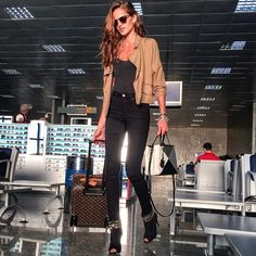 Izabel Goulart @iza_goulart Good morning!! Bo...Instagram photo | Websta (Webstagram)