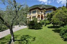 €480 In Gardone Riviera begrüßt Sie diese klimatisierte Villa. WLAN steht…