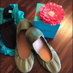 Tieks, Olive Green Worn Once!! Comes with bags and box just like new!! In perfect condition, worn once! Beautiful shoes!!! Tieks Shoes Flats & Loafers