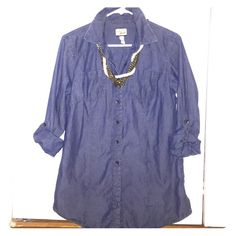 Bass Chambray Button Down Shirt Great condition, size S, roll up sleeve tabs, comes with one extra button Bass Tops Button Down Shirts