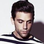 Mika : Sur un radeau pour le clip, Underwater