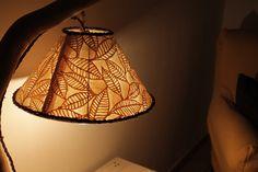 Semplice lampada artigianale in legno di mare con base - Lampada luna ikea ...