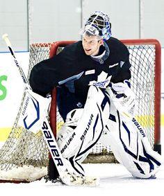 James Reimer (via korbiholzer Men's Hockey, Hockey Games, Hockey Players, James Reimer, Maple Leafs Hockey, San Jose Sharks, Toronto Maple Leafs, Nhl, Scores