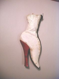 Victorian high heel (boundboot) I cannot believe, that women had to walk in those shoes?