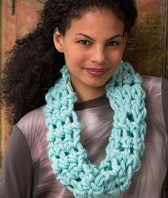 Cool Finger Crochet Cowl Free Crochet Pattern in Red Heart Yarns