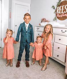 Kids fashion 2020 Baby Girls - Kids fashion Show Decorations - Kids fashion Boy Street - - Kids fashion Winter Girls Baby Outfits, Kids Outfits, Cute Family, Baby Family, Family Goals, Fashion Kids, Fashion 2020, Girl Fashion, Funny Babies