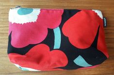 Marimekko VTG Poppy Flowers Red Pink White Gray Black Cosmetic Bag Make Up Bag #Marimekko Red And Pink, Pink White, Poppy Flowers, Marimekko, Bag Making, Cosmetic Bag, Poppies, Make Up, Cosmetics