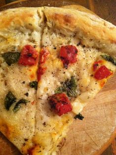Vegan White Pizza w/ Roasted Tomatoes & Basil | rialiveswell