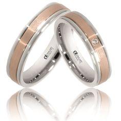 Design-ul acestui model rafinat de verighete aur armonizeaza nuantele de aur roz, care au primit finisaje de tip mat fin pe mijloc, cu finisajele lucioase aplicate aurului alb. Aur, Wedding Rings, Engagement Rings, Model, Jewelry, Design, Ring, Schmuck, Enagement Rings