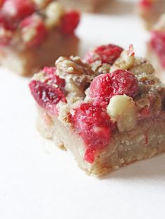 Cranberry Walnut Bars have tart cranberries, crunchy walnuts and a buttery brown sugar crust. Cranberry Bars, Pecan Pie Filling, Gluten Free Puff Pastry, Pecan Bars, Maple Pecan, Tea Sandwiches, Appetizers For Party, Clean Eating Snacks, Baking