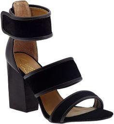 Report Pammy #Strappy #Heels