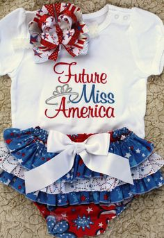 I love this 4th of July outfit!