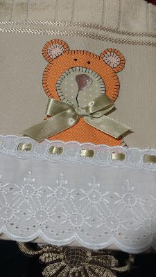 LOY HANDCRAFTS, TOWELS EMBROYDERED WITH SATIN RIBBON ROSES: TOALHA PERSONALIZADA URSO